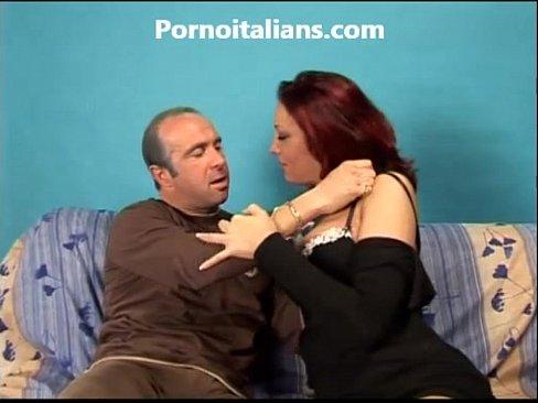 Πιπίλισμα μια γυναικείος οργασμός dildo
