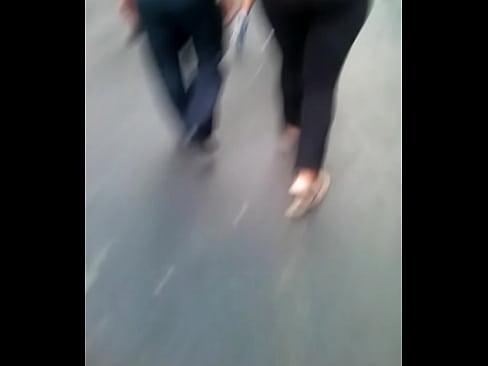 Culonaxa en la calle