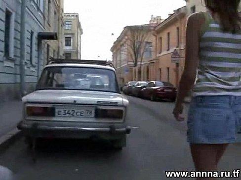 Трахнул русскую студентку в коротенькой юбочке