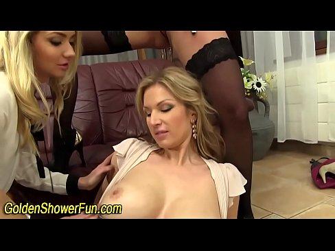 Hot sshow pissing lesbo fingered