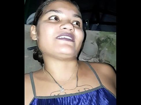 Tigresa fazendo xixi no fundo de casa e lança desafio