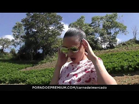 CARNE DEL MERCADO – Colombian Latina babe Andreina De Luxe hot pickup fuck and facial