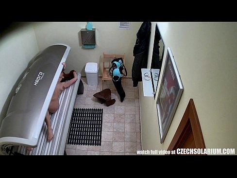 v-solyarii-skritaya-kamera-za-pilyulyami-video