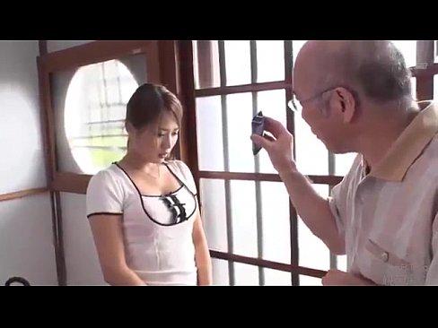 XVIDEO 通野未帆 人妻が介護している爺さんとセックス(通野未帆)