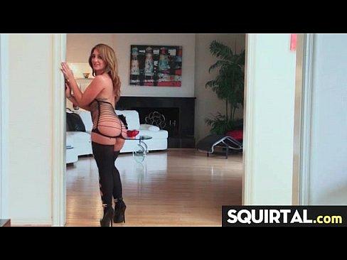 attractive teen cunt amazing squirter 30