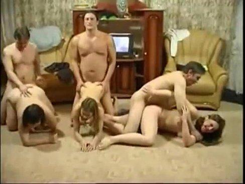 Семейная оргия порно он лайн