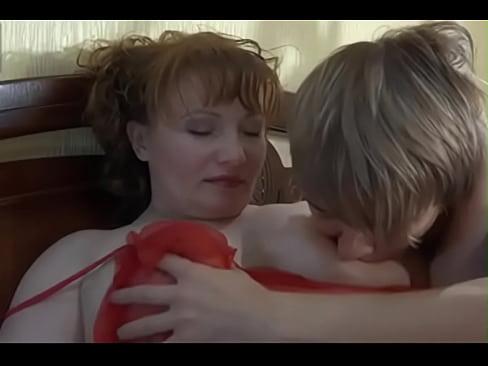 Порно сын трахает свою маму смотреть