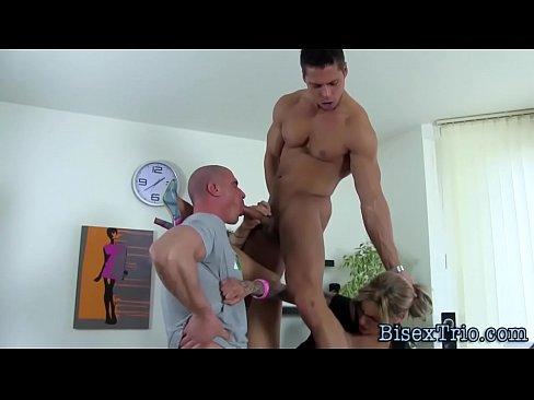 Bi seksualni blowjobs