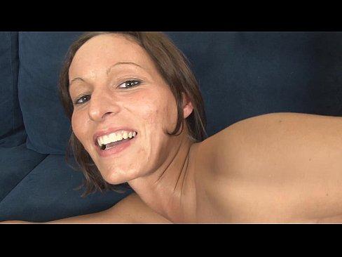 Rupe Curul Intr-O Curva Tupeista Care Geme Frumos