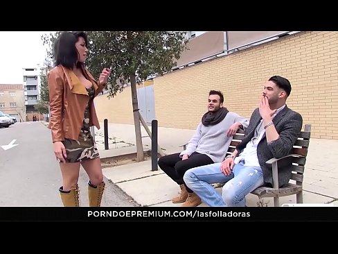 LAS FOLLADORAS – Sexy Spanish MILF Suhaila Hard rides amateur cock in steamy pickup and fuckXXX Sex Videos 3gp