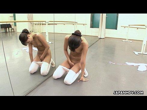 Asian ballerina has an itch she has to rub – 8 min