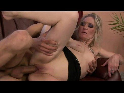 Horny blonde amateur pics