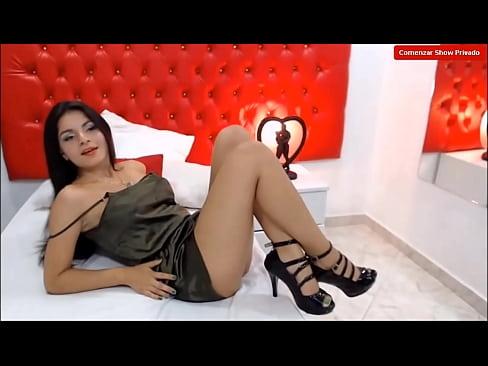 Sexy Modelo Webcam Bailando En Su Sala De Chat- Ammelielovee
