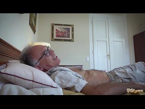 Mos Cu Bani Fute O Escorta Bruneta Xxx Porno Rau