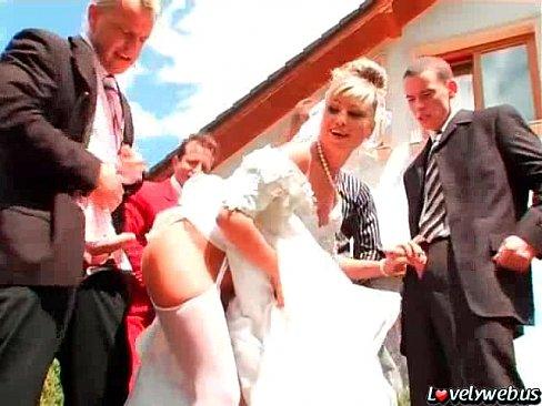 Молодую невесту жарят порно видео 12