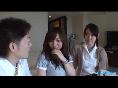 OLしてる素人ギャルが友達と一緒ならと2人でAV動画に出演wwww