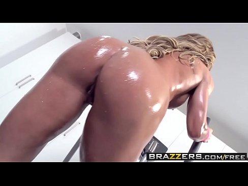 Big Wet Butts –  Ninas Workout Scene Starring Nina Dolci And Keiran Lee