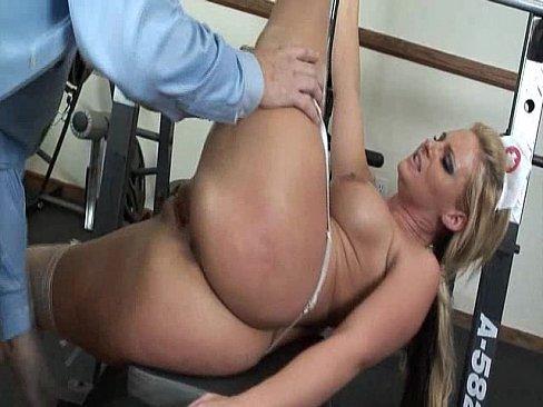 Медсестра ебется смотреть видео
