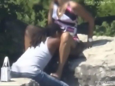 Pussylicking outdoors hidden cam voyeur - XVIDEOS COM