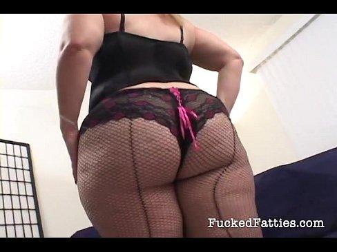 tolstushki-v-nizhnem-bele-seks-nyu-doma-video