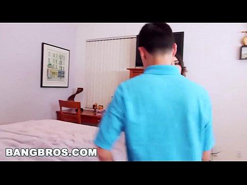 BANGBROS – Juan El Caballo Loco Fucking Valentina Nappi