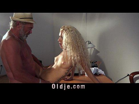 Tammin sursok hot nipples