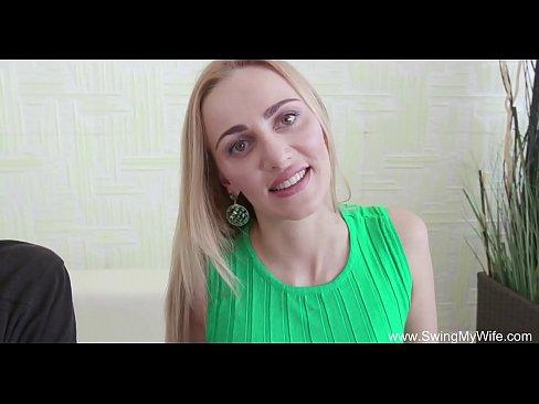 Download vidio sex  Blonde Swinger Wife Is So Happy