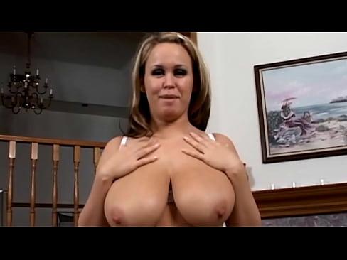 Huge natural tits girl's Thumb