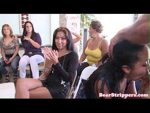 Bachlorette deepthroat strippers