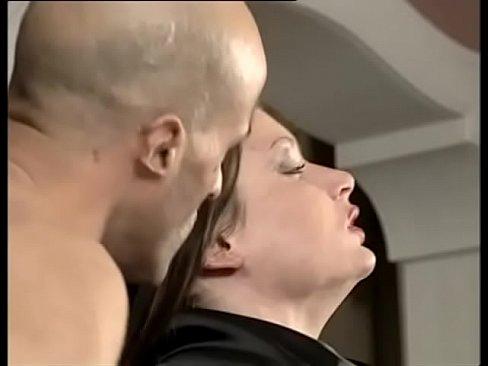 seks-s-molodimi-italyantsami-muzh-i-zhena-erotika-rossiya