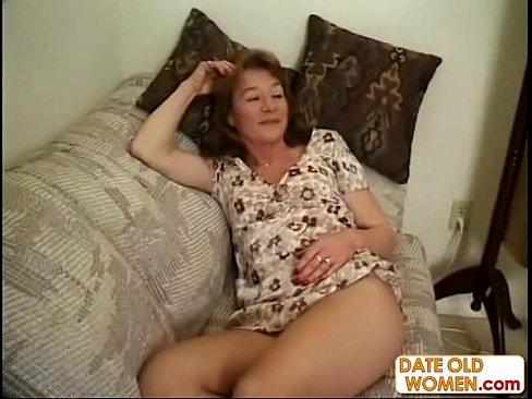 Толпой ебут спящую соску видео