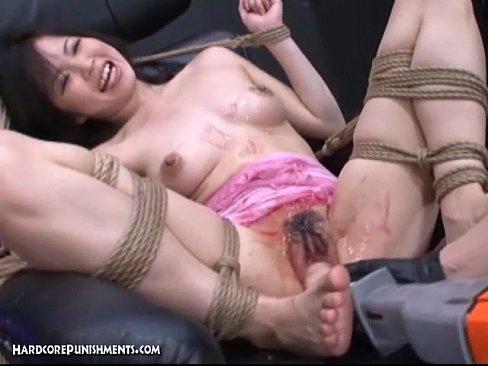 Поневоле видео порно, эротика фото видео лежащие сидящие на корточках