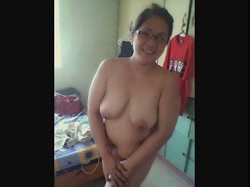 Mature Milf Masturbates Webcam