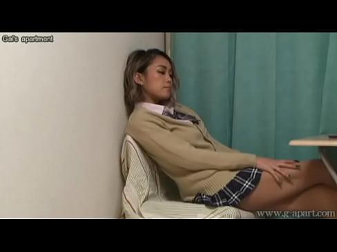 Voyeuring the panties of japanese schoolgirl from under the desk.XXX Sex Videos 3gp