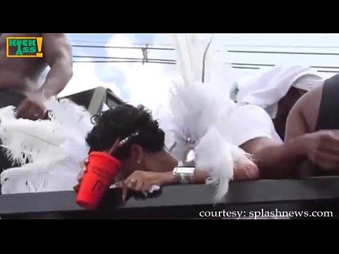 Hd Nude Public Twerk Shaking Pussy Show