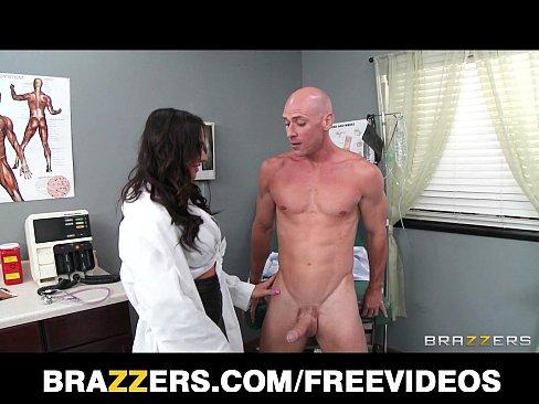 Beautiful doctor's assistant Destiny Dixon fucks her hung patientXXX Sex Videos 3gp