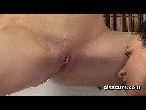 Small lesbien sexo orgasam