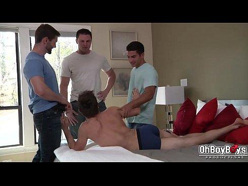 JENNIFER: Penetraciones bareback anal