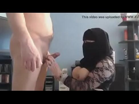 Pakastan women bathing nude