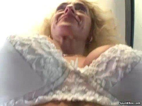 Busty granny rides cock's Thumb