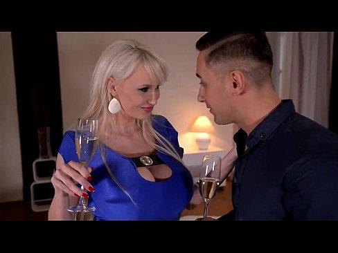 Xxx Romantic Sex Cu Cea Mai Sexy Blonda