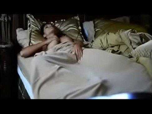 Девушка мастурбирует перед сном фото, русское порно лесбиянок с русским диалогом