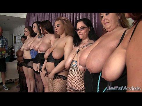 Девушек видео ебут больших баб засветы