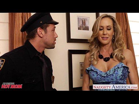 Video bokep online Busty moms Brandi Love, Eva Karera and Julia Ann suck cock
