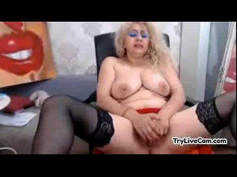 EDNA: Amazing brunette slut gets her tight