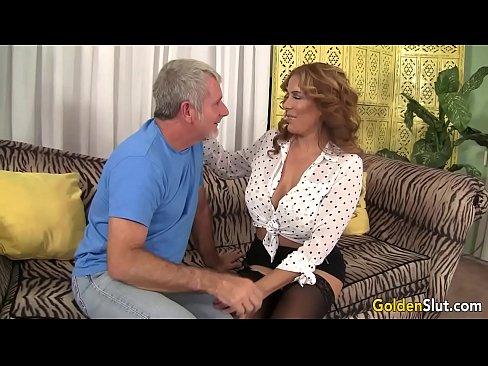 Sex Anal Cu O Baba Care E Fututa De Un Mosneag Nebun