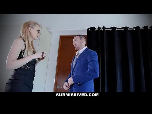 Blonda Sexy Se Schimba Si Se Fute Cu Un Dependent De Sex