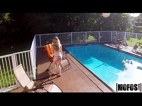 Mofos.com – Daisy Chainz – Pervs On Patrol