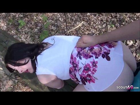 Deutsche Tinder Teen Lara Outdoor gefickt