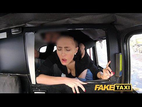 Fake Lesbian Taxi Squirt